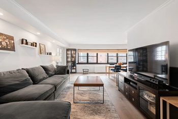 Stunning Upper East Side Convertible 3 Bedroom at The Plymouth House